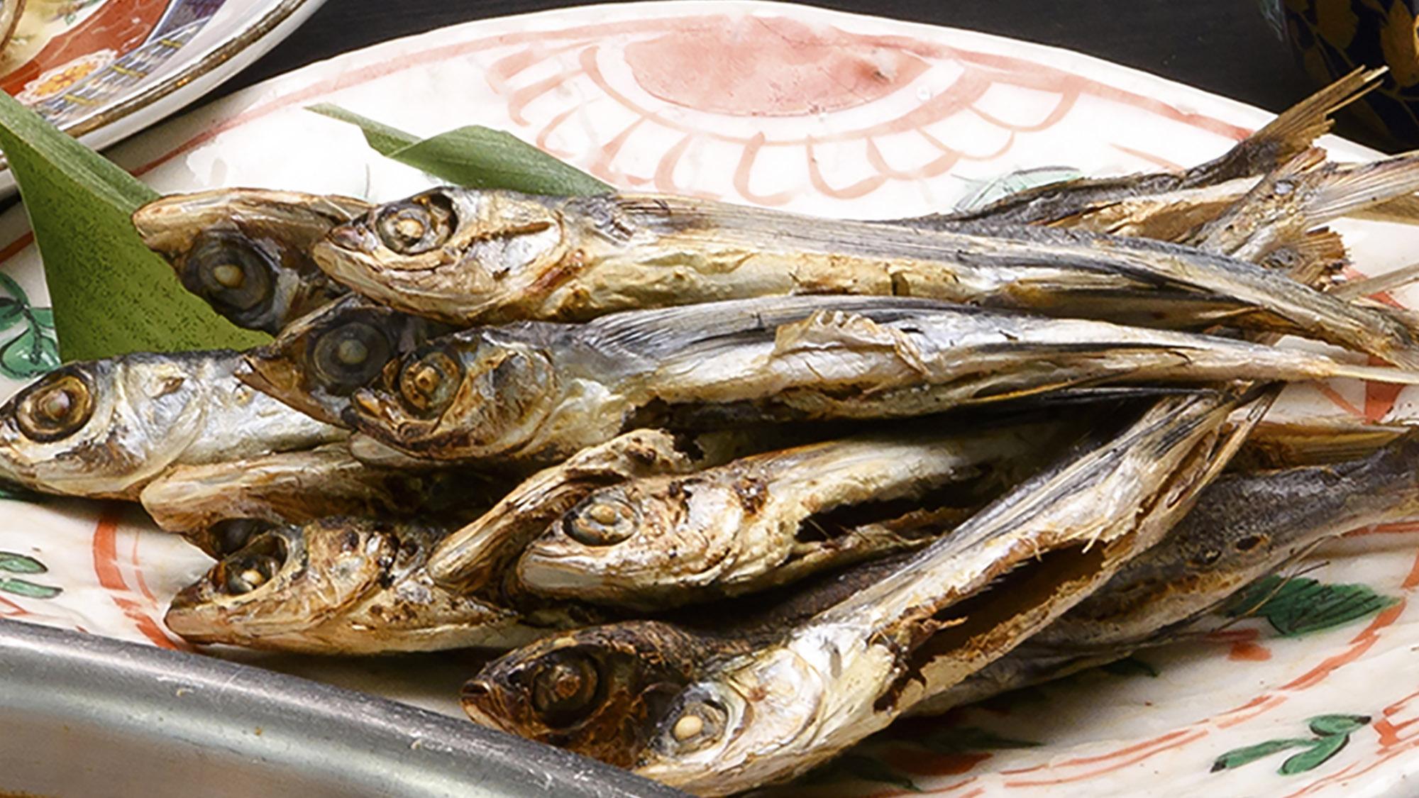 【朝食】あご(飛び魚)の一夜干しは頭から食べれらます!!