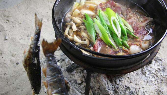 【グレードアップ】秘境の美味♪山と川の幸満載♪囲炉裏処で頂く四季の味・・・1泊2食付