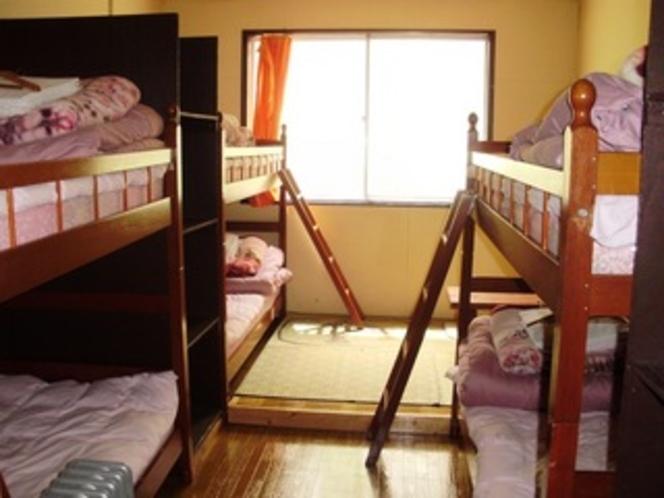 ドミトリー6人部屋