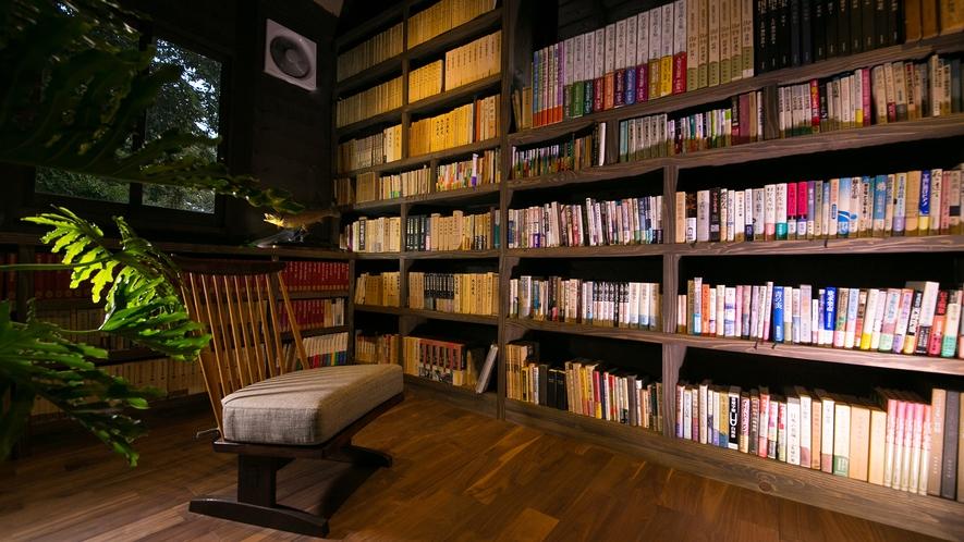 様々な種類の本をご用意しております。お好きな時に。