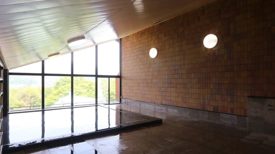 4号館(プール館)大浴場。