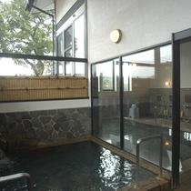 ■弱アルカリ性単純温泉は、多彩な天然ミネラルを含む岩塩一重曹泉(十郎の湯)