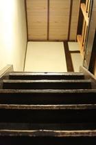古い階段 Old steps