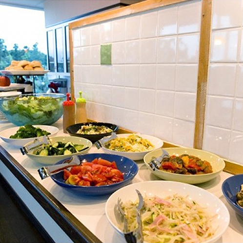 *【夕食一例】一品料理はブッフェスタイルでお召し上がりいただけます。
