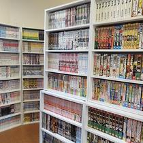 *【漫画コーナー】その数なんと1000冊以上!子供から大人まで楽しめる種類を取り揃えております。
