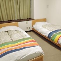 *【洋室ツインルーム】2階のお部屋からは海を望むことができるお部屋です。