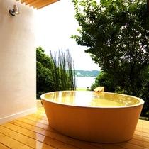 ■離れの客室露天風呂:洞-uro-■