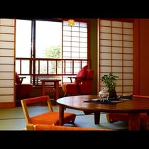 【湯畑側/和室14畳(禁煙)】明るいインテリアが旅行気分を盛り上げます