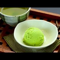 【夕食】デザートのアイスクリーム