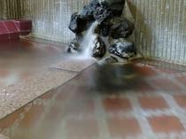 自然湧出の掛け流し温泉