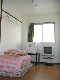 ●男性専用 洋室 タオル・歯ブラシ付 1600〜1800円
