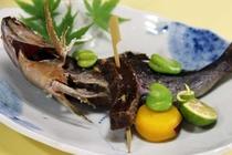 【ご夕食 一例】・・・はまゆう荘夕食お膳プラン ≪いさき塩焼き≫