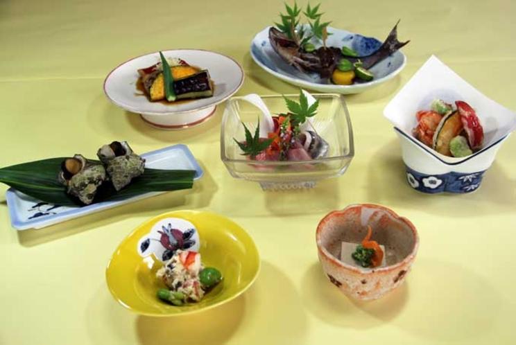 【ご夕食 一例】・・・はまゆう荘夕食お膳プラン