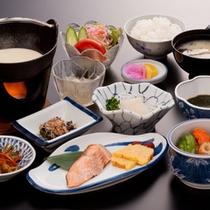 *朝食一例/名物『豆腐鍋』は、大豆の風味と優しい味わいが身体の中へ染み込みます