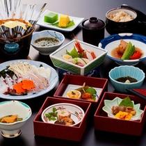 """*夕食一例/地産食材を中心とした""""秋田の旬""""海の幸と山里の幸を存分にご賞味ください。"""