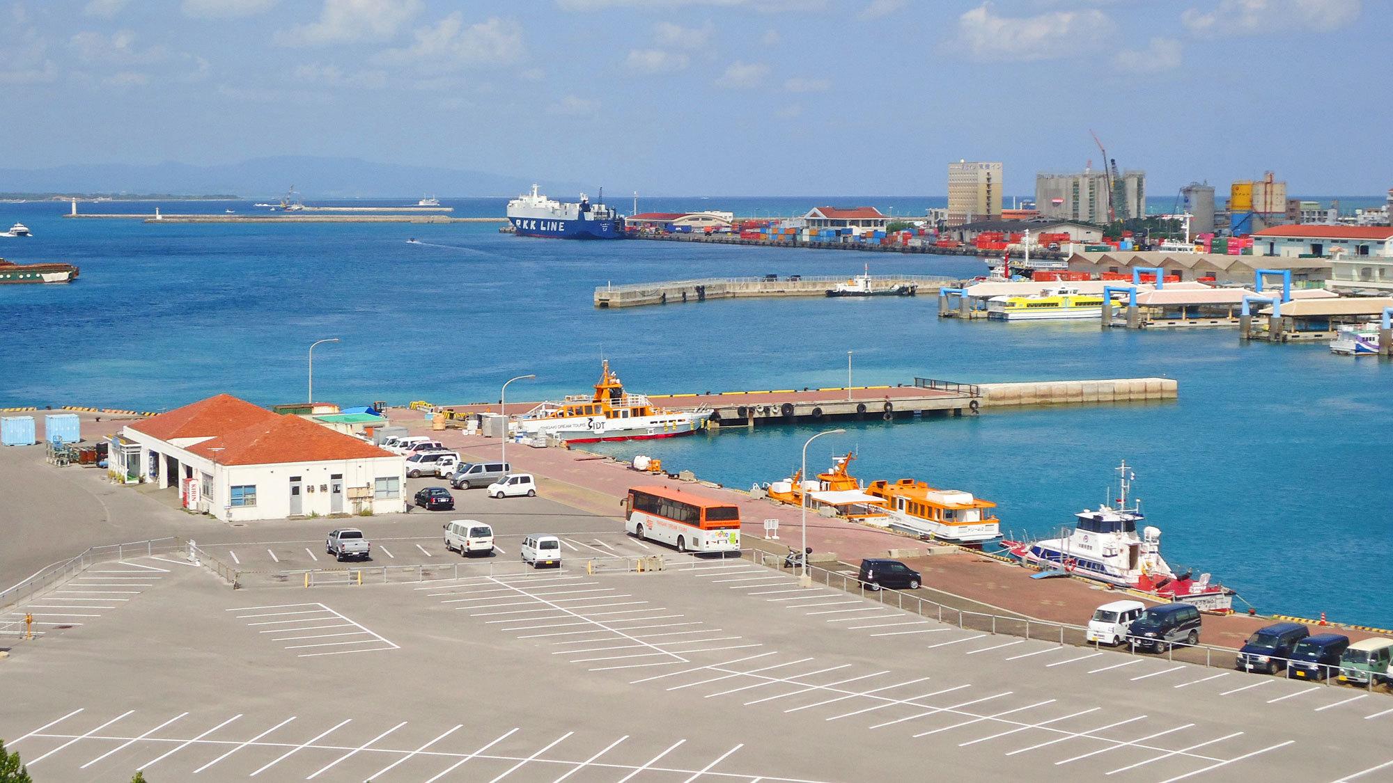 【離島ターミナル】西表や波照間などの離島行フェリー乗場はすぐそこ!