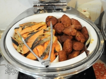 【朝食バイキング】鮭&魚すり身天ぷら
