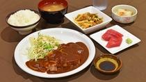【夕食一例】ポークチャップ定食