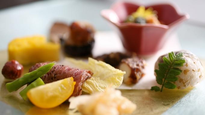 ジャズの響くオープンキッチンのダイニングバーで味わう旬魚と淡路牛ほか品数控えめの一汁三菜膳