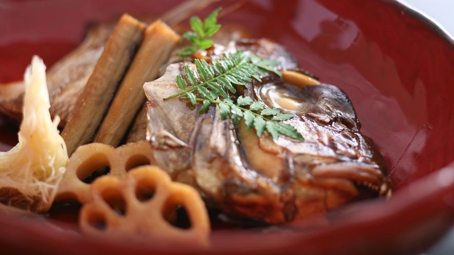 あら煮は鯛の旨味がたっぷりでご飯とお酒がすすみます≪料理イメージ≫