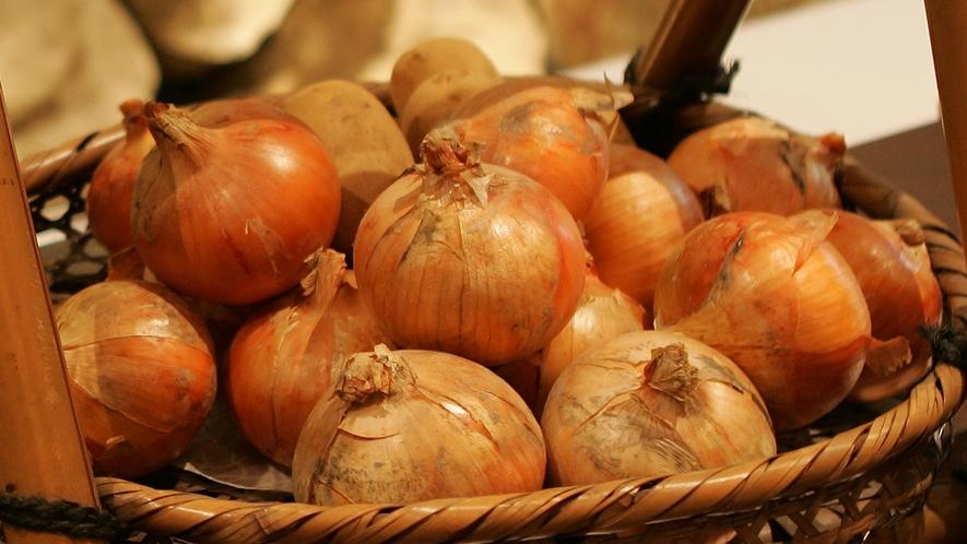 淡路産の玉葱は糖度が高く香りも優れており辛味も少ないのが特徴です