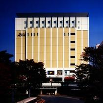 ホテル新百合ヶ丘駅側外観