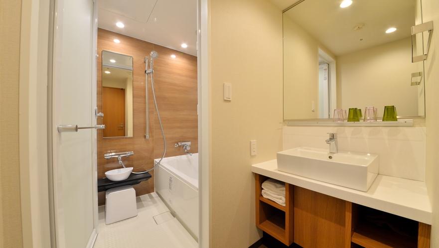 【東館】デラックスファミリールーム/46平米 バスルーム・洗面所