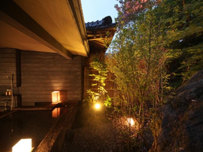 2棟ある別邸内庫所専用の無料貸切露天風呂