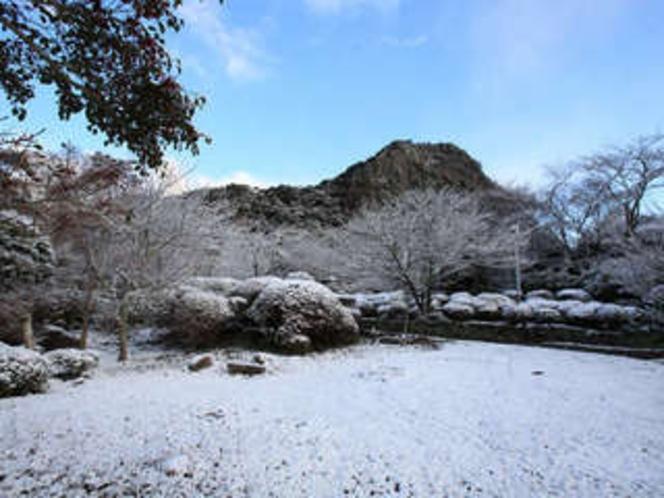 当館敷地内にある「御船山楽園:国登録記念物」冬の情景