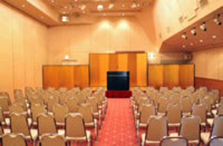 【会議場】講演会・総会・研修会などの各種会議ご利用いただけます。