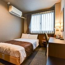 *【スーペリアセミダブル】茶色を基調とした落ち着きのあるデザイン性を併せ持つ客室