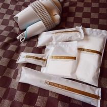 【リニューアルフロア_アメニティ】剃刀、ボディータオル、ヘアゴム、歯ブラシ、綿棒コットンをご用意