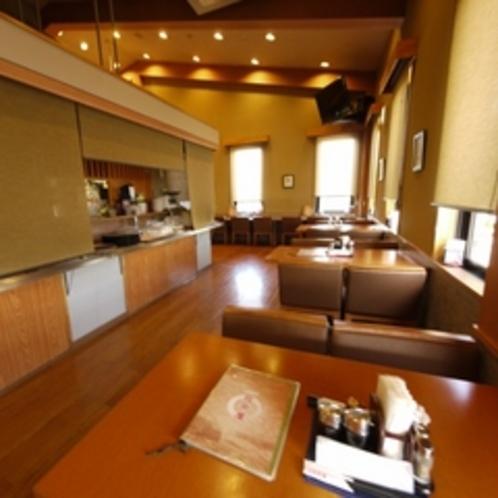 1階レストラン内