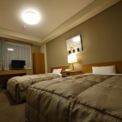 ツインルーム 室内灯暖色
