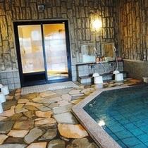 活性石人工温泉大浴場