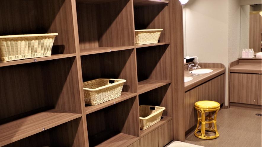■大浴場脱衣カゴ(蜜を避け間隔を開けています)