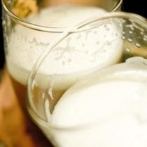◆バイキング夕食(年中無休)アルコールも各種あり