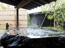 全室に源泉かけ流しの露天風呂付き。【KURA】【SAKURA】【YAMAGATA】3タイプ全19室