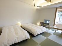 【YAMAGATA06】山形の文化を体感する客室。ソファは山形が誇る天童木工の製品を