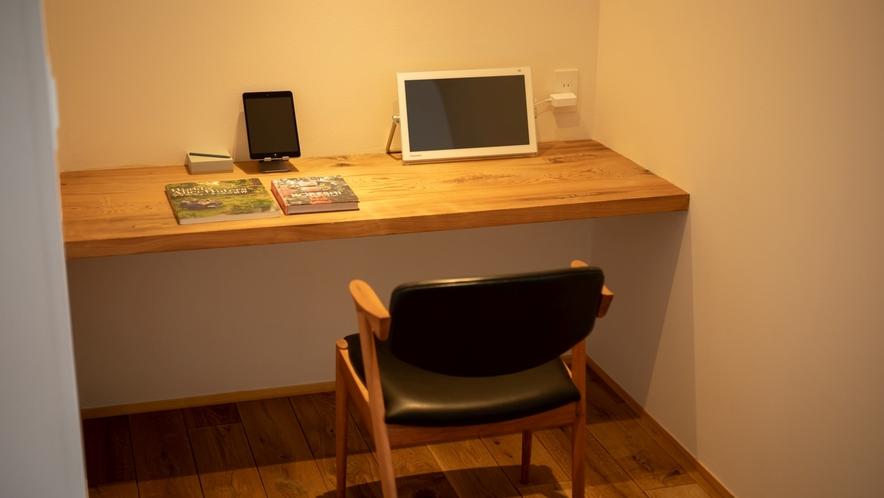 お部屋のデスクスペース、仕事にも快適なお部屋