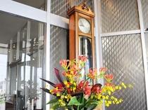 【掛け時計】歴史を感じさせる掛け時計です。