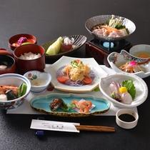 *お夕食一例(3000円コース)/季節に応じた山の幸、渓流の幸をご賞味下さい。