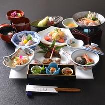 *お夕食一例(4000円コース)/奥出雲の豊かな自然でおもてなしする美味多彩な食事。
