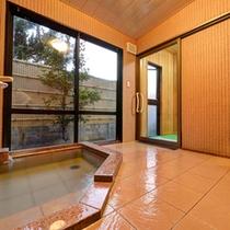 *貸切風呂(さくらの湯)/気兼ねなくご利用いただける貸切風呂。ゆっくりと出雲の湯をご堪能下さい。