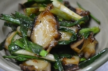 島ダコとニンニク葉の宮古味噌炒め
