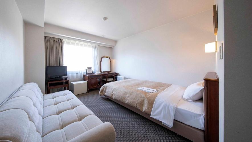 【スタジオツイン16.5平米】120cm幅ベッド+ソファベッド