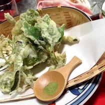 *新鮮!香り豊かな山菜を天麩羅で