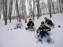 皆でわいわい雪遊び