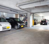 1階 無料駐車場 2輪可能  高さ制限 2.5m以下 ※詳細はこちら≫