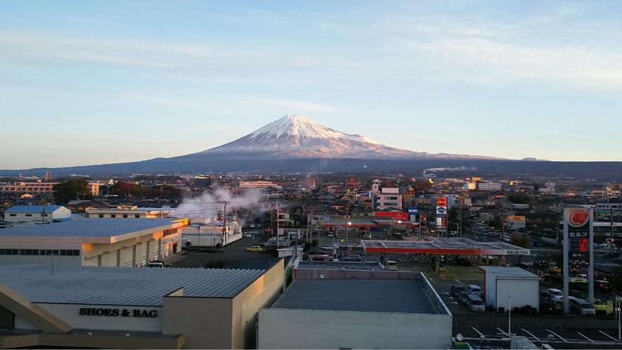 ホテルからの富士山2